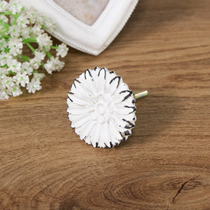 Decorative Metal Daisy Drawer Knob