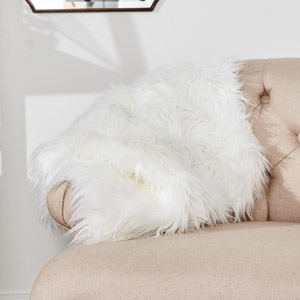 Luxurious Soft White Faux Fur Bedroom Rug 50cm x 90cm