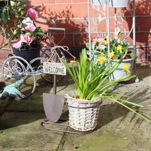 Metal Spade Planter & Wicker Plant Pot with Welcome Plaque