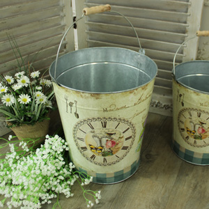 Metal Vintage Floral Decorative Pail/Laundry Basket