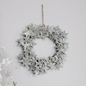 Round Wooden Star Wreath