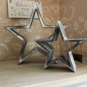 Set of 2 Wooden Decorative Stars