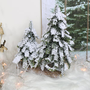 Snowy Christmas Tree Decoration