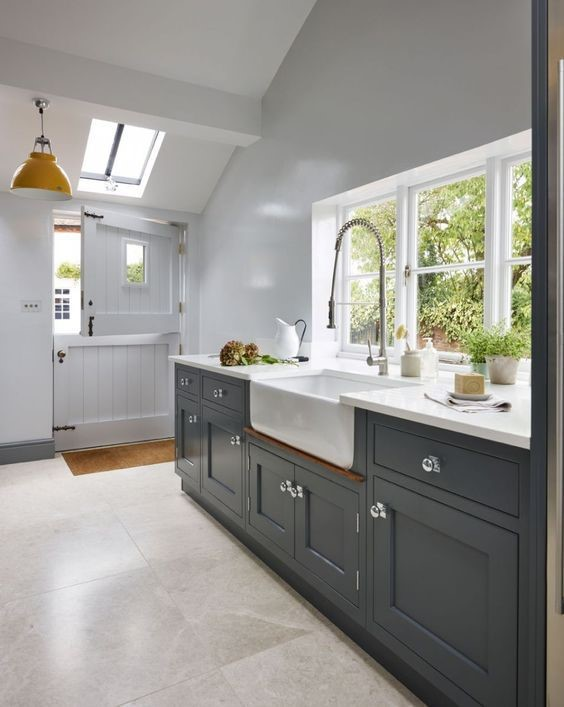 grey kitchen, country style